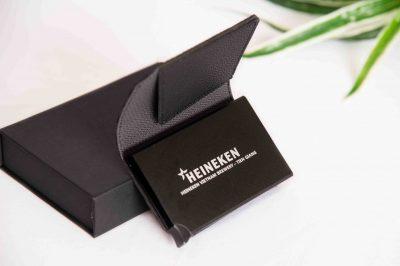 hộp đựng thẻ chống trộm dữ liệu