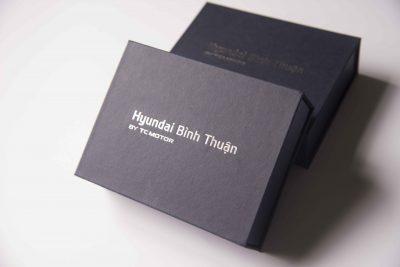 hộp giấy mỹ thuật ép nhũ kim